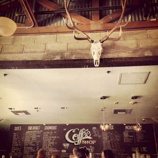 Das Foto wurde bei The Coffee Shop at Agritopia von dawn b. am 9/3/2012 aufgenommen