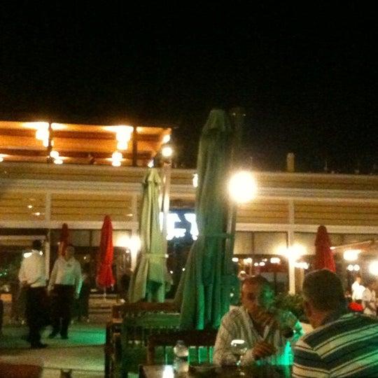Foto scattata a Desde Cafe & Restaurant da H.D O. il 9/5/2012
