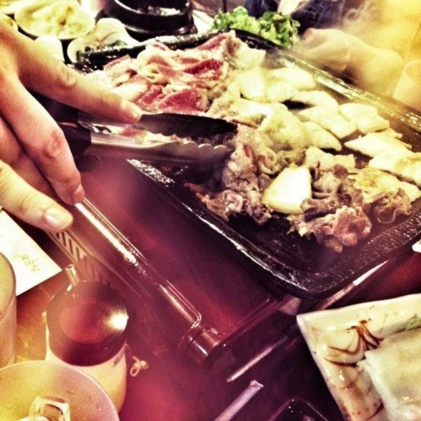 Foto scattata a Hae Jang Chon Korean BBQ Restaurant da Adam B. il 8/15/2012