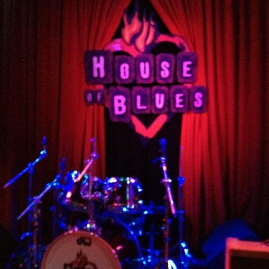 Foto diambil di House of Blues oleh Jennifer A. pada 7/16/2012