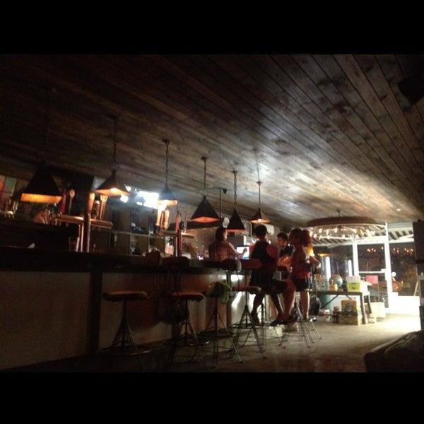 Foto scattata a Alphabet City Beer Co. da Bitsy M. il 8/9/2012