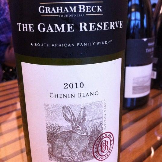 Foto diambil di Wine By The Bay oleh CB G. pada 5/3/2012