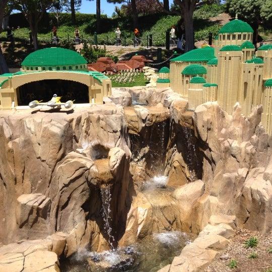 Foto tirada no(a) Legoland California por Hennley S. em 7/16/2012