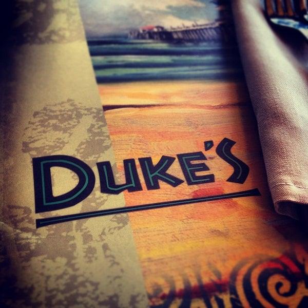Foto tomada en Duke's por Justin M. el 7/27/2012