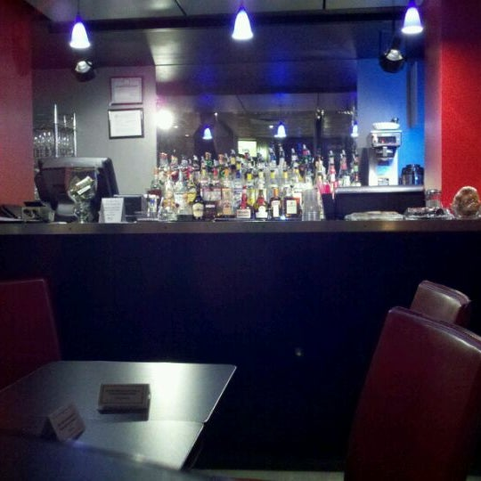 Снимок сделан в Bar Thalia пользователем Ben G. 2/2/2012