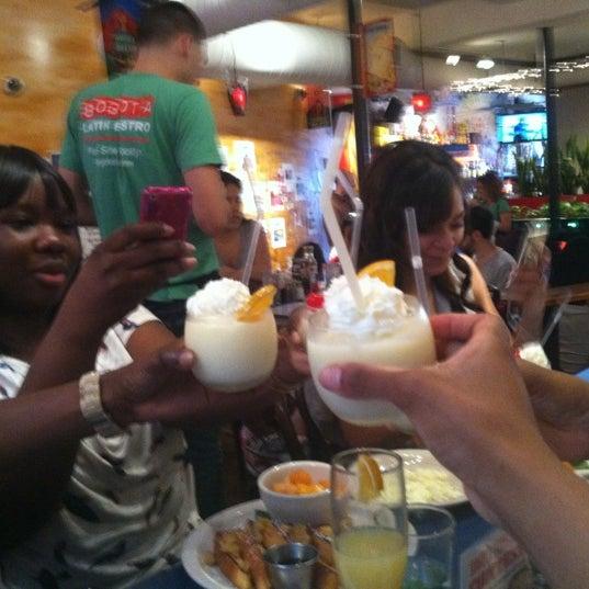 Das Foto wurde bei Bogota Latin Bistro von Christal K. am 5/27/2012 aufgenommen
