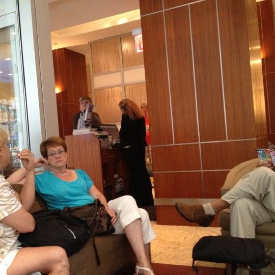 Foto tirada no(a) Hilton Garden Inn por Jose B. em 7/27/2012