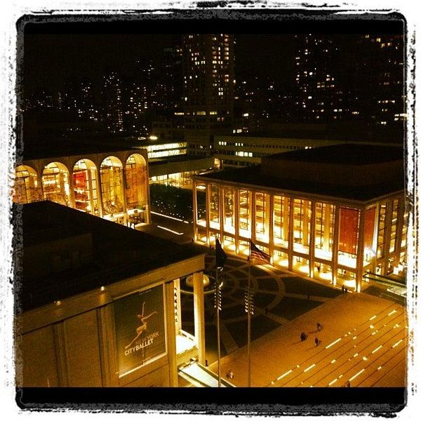 Снимок сделан в The Empire Hotel Rooftop пользователем Jeremy B. 4/29/2012