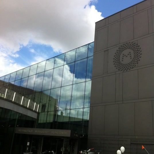 6/12/2012にA.HがMusiikkitaloで撮った写真