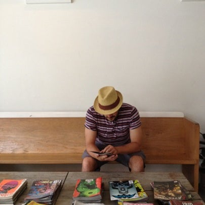 8/7/2012 tarihinde Sarah H.ziyaretçi tarafından Analog Coffee'de çekilen fotoğraf