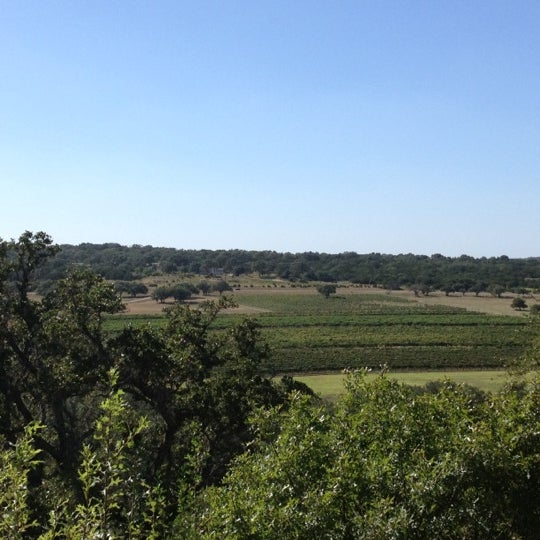 Foto diambil di Driftwood Estate Winery oleh Michelle J. pada 9/2/2012