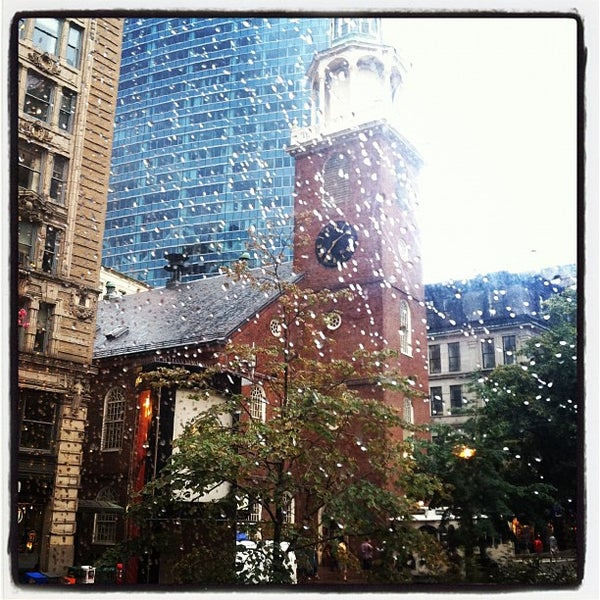 6/23/2012 tarihinde Katie Q.ziyaretçi tarafından Old South Meeting House'de çekilen fotoğraf