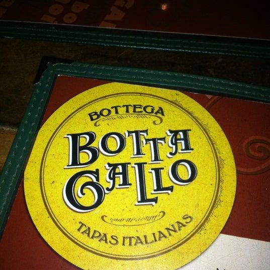 รูปภาพถ่ายที่ Bottega Bottagallo โดย Carlos M. เมื่อ 6/27/2012