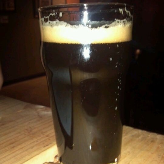 Снимок сделан в Kinetic Brewing Company пользователем Christopher S. 2/5/2012