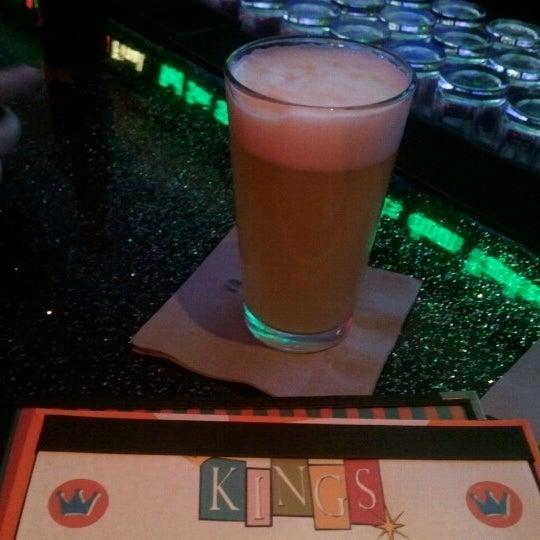 Снимок сделан в Kings Dining & Entertainment пользователем Jo Y. 8/19/2012