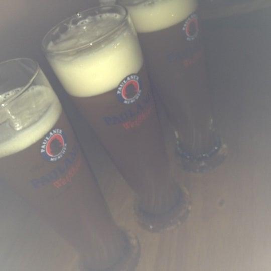 9/2/2012にJaqueline G.がOzzie Pubで撮った写真