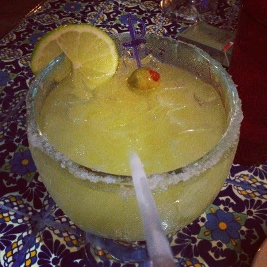 Das Foto wurde bei Mi Pueblito Restaurant Bar & Grill von Evelia C. am 5/20/2012 aufgenommen