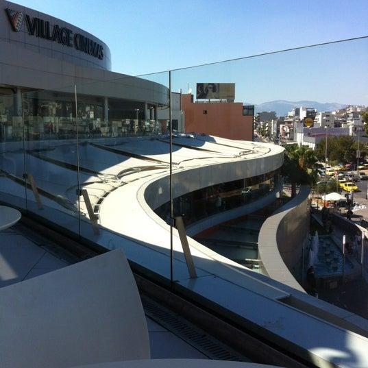 รูปภาพถ่ายที่ Athens Metro Mall โดย George เมื่อ 7/3/2012