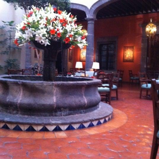 รูปภาพถ่ายที่ Hacienda de Los Morales โดย Manuel G. เมื่อ 2/16/2012