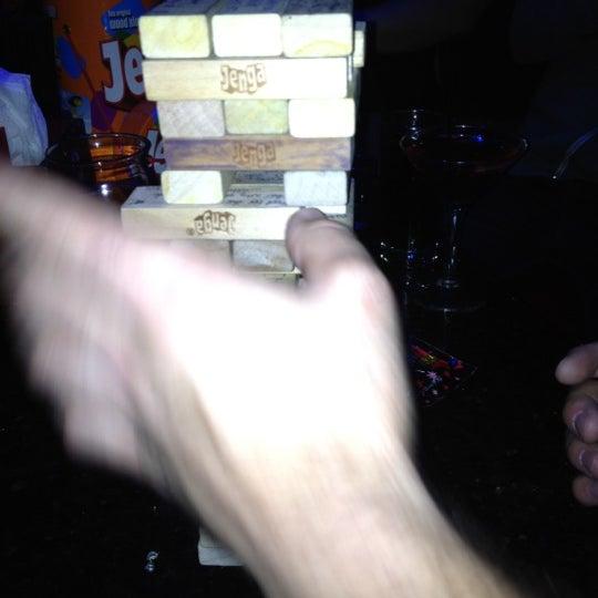 5/12/2012 tarihinde Jonathan B.ziyaretçi tarafından Raven Lounge'de çekilen fotoğraf