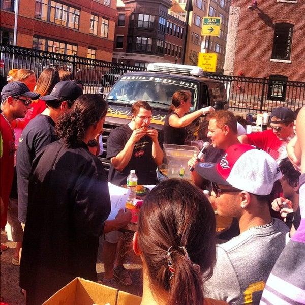 Foto tirada no(a) South End Open Market @ Ink Block por Tim L. em 6/24/2012