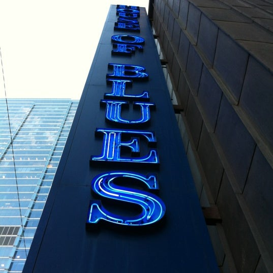 Foto diambil di House of Blues oleh Taryn R. pada 6/22/2012