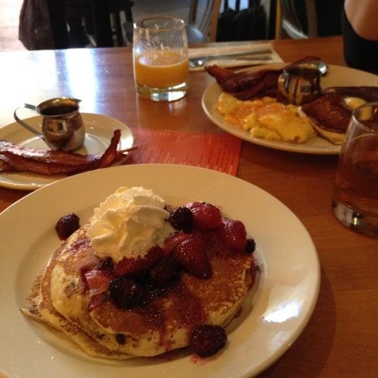 Foto scattata a Park Place Bar & Grill da Jason il 3/10/2012