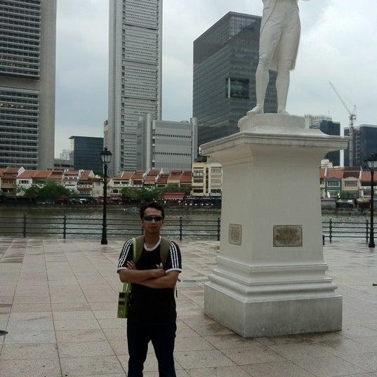 Foto diambil di Singapore River oleh Bagus T. pada 3/26/2012