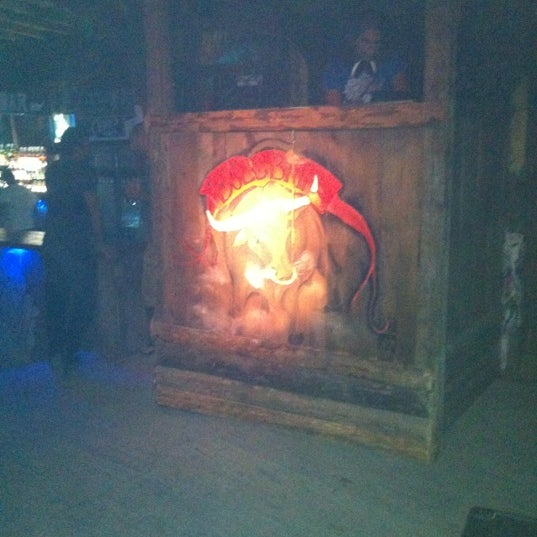 Foto scattata a Bull Bar da Serdar U. il 6/7/2012
