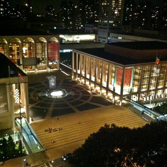 Снимок сделан в The Empire Hotel Rooftop пользователем joe c. 9/8/2012