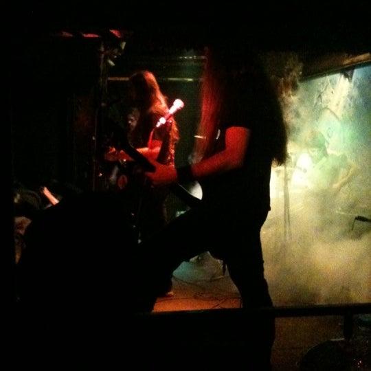 Das Foto wurde bei Dorock Heavy Metal Club von orhan mehmet e. am 3/10/2012 aufgenommen
