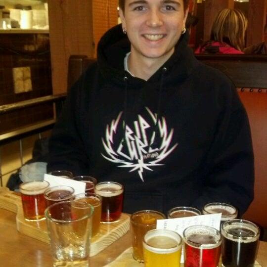 Снимок сделан в Deschutes Brewery Bend Public House пользователем Cindy S. 2/28/2012