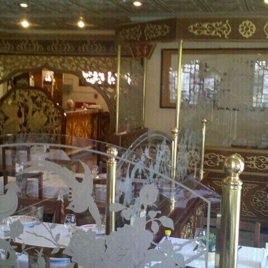 Снимок сделан в Golden Plaza Chinese Restaurant пользователем Marcos S. 2/14/2012