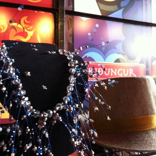 Das Foto wurde bei Viking - Arte Café Punto Zero von Chac G. am 2/18/2012 aufgenommen