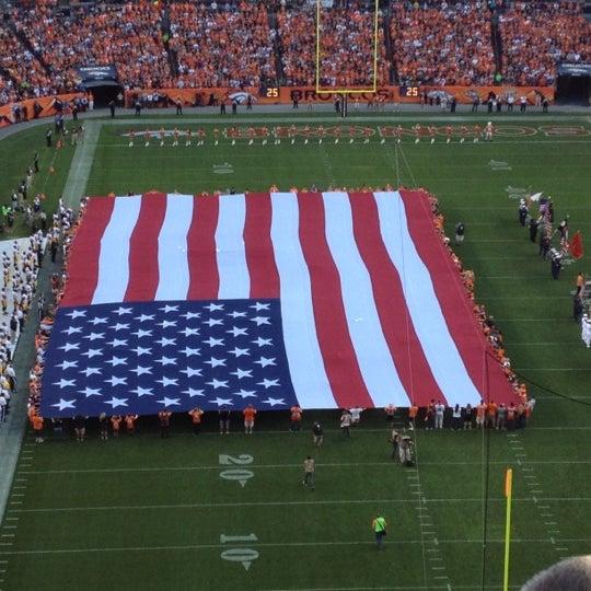 Foto diambil di Broncos Stadium at Mile High oleh Shannon W. pada 9/10/2012