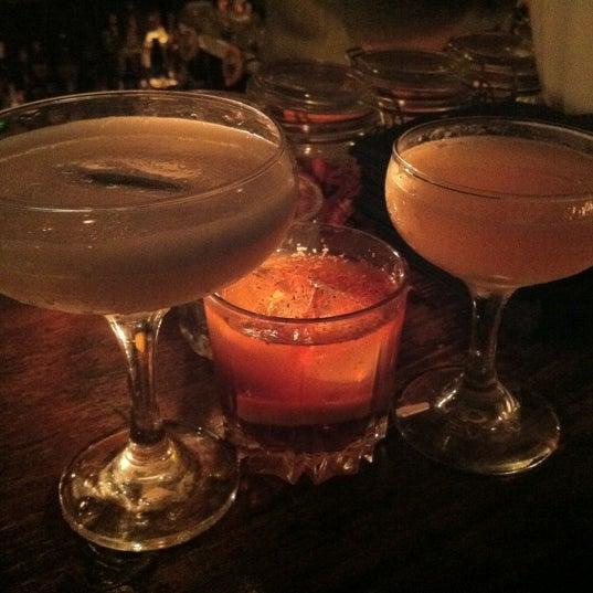 Foto tirada no(a) Oldfield's Liquor Room por Frank S. em 6/8/2012
