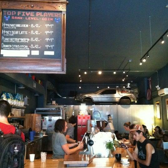 8/25/2012에 Jackie M.님이 The Wormhole Coffee에서 찍은 사진