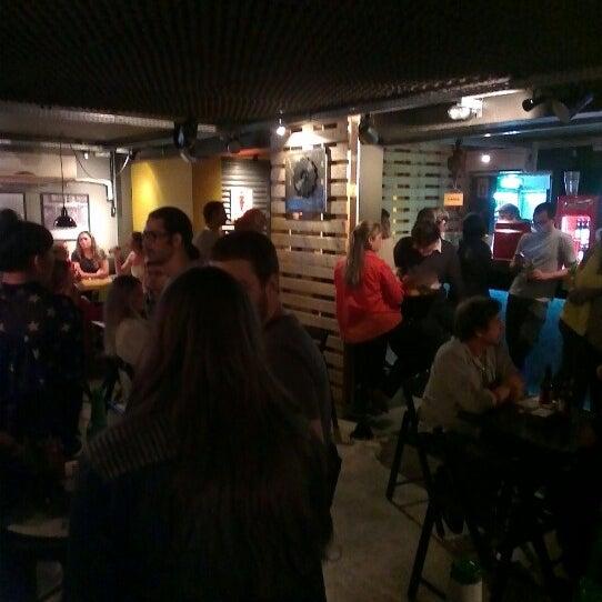 8/4/2012 tarihinde Juliana H.ziyaretçi tarafından Factory Coffee Bar'de çekilen fotoğraf
