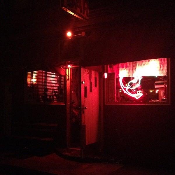 Photo prise au Sunny's par Harlan E. le5/13/2012