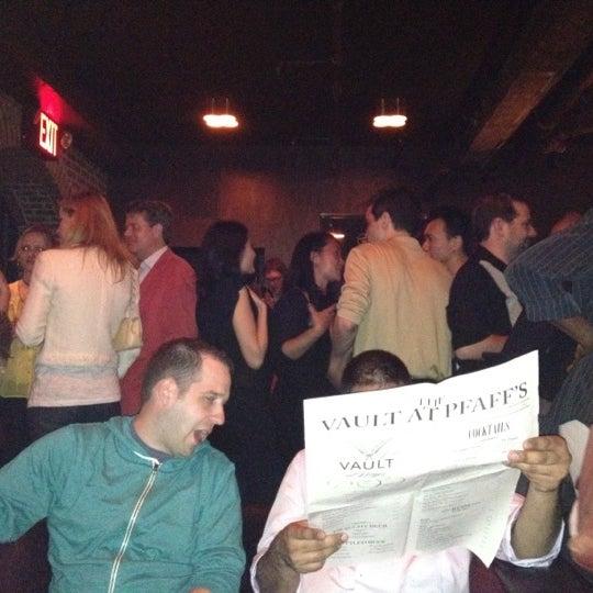 Photo prise au The Vault at Pfaff's par Michael S. le4/22/2012