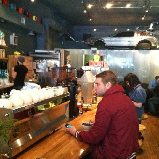 4/27/2012에 Shannon S.님이 The Wormhole Coffee에서 찍은 사진