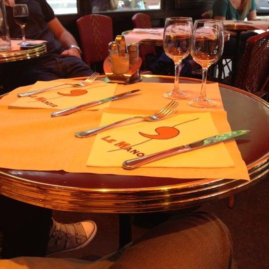 Photo prise au Le Manoir par Annalisa M. le6/9/2012