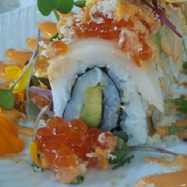 7/15/2012 tarihinde Jo G.ziyaretçi tarafından Desaki Japanese Restaurant'de çekilen fotoğraf