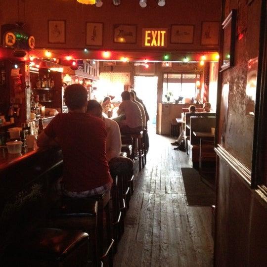 Photo prise au Sunny's par Jessica B. le6/9/2012