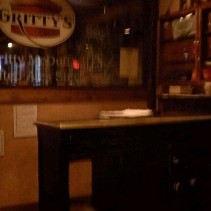 Photo prise au Horseshoe Pub & Restaurant par Dawn P. le8/13/2012