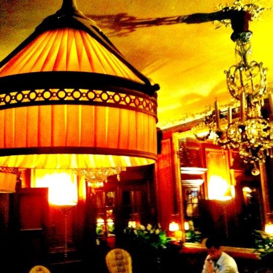 Foto diambil di Hôtel Costes oleh Dieke H. pada 6/21/2012