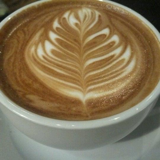 8/19/2012에 FeliciaCago님이 The Wormhole Coffee에서 찍은 사진