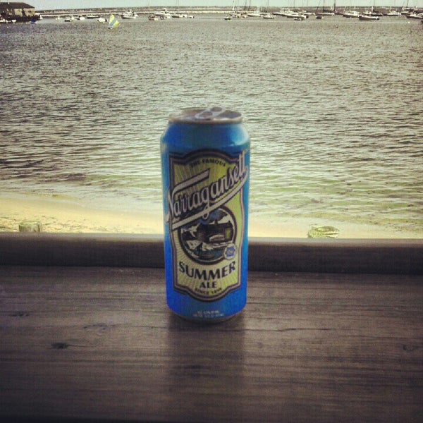 Foto scattata a Aqua Bar da Ryan M. il 7/21/2012