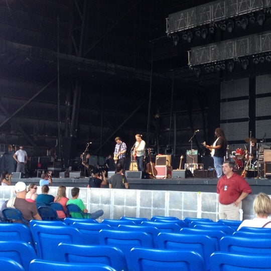 Foto tomada en Coral Sky Amphitheatre por Toby S. el 7/18/2012