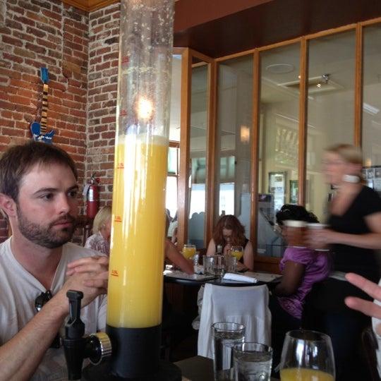Photo prise au The Lobby par Saunders S. le5/6/2012